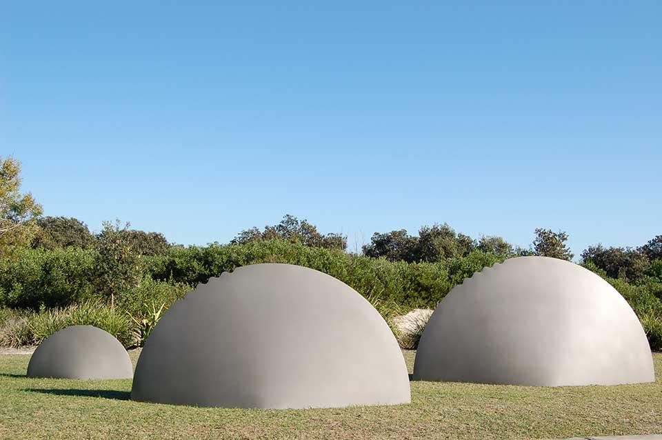Breaking-Surface-by-Raphael-van-der-Waag,-Casuarina-Sculpture-Walk-NSW